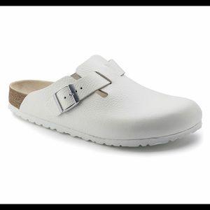 White leather Birkenstock Boston's